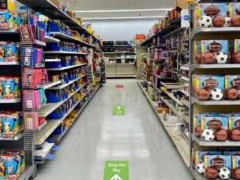 walmart-social-distancing-floor-decals-one-way-aisles