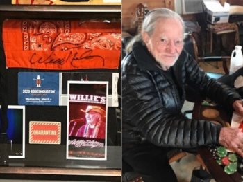 willie-nelson-autographed-face-masks-auction (1)
